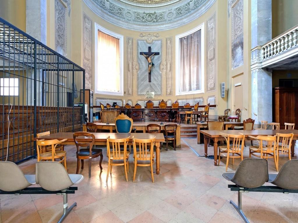 Залы суда, где не стыдно получить приговор 8