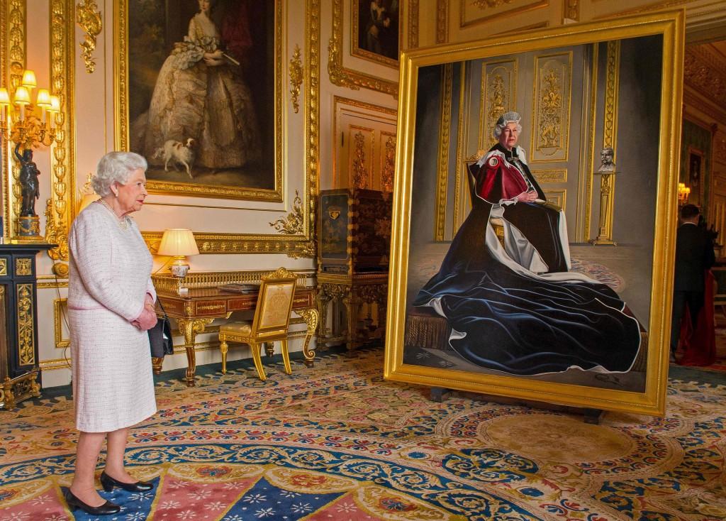парк, где живет королева ее дом фото это холодные трусики