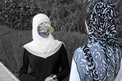 Работа для девушки в хиджабе в москве девушка модель парусного корабля ручной работы