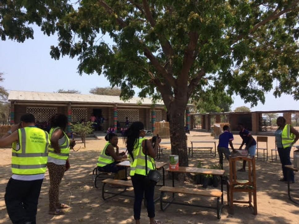 Письма из Африки. Волонтеры в школе