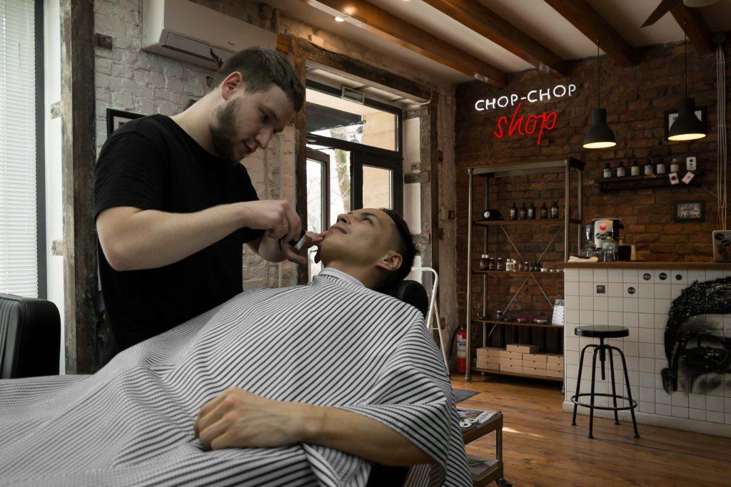 Чингиз Капин мужская стрижка Chop Chop