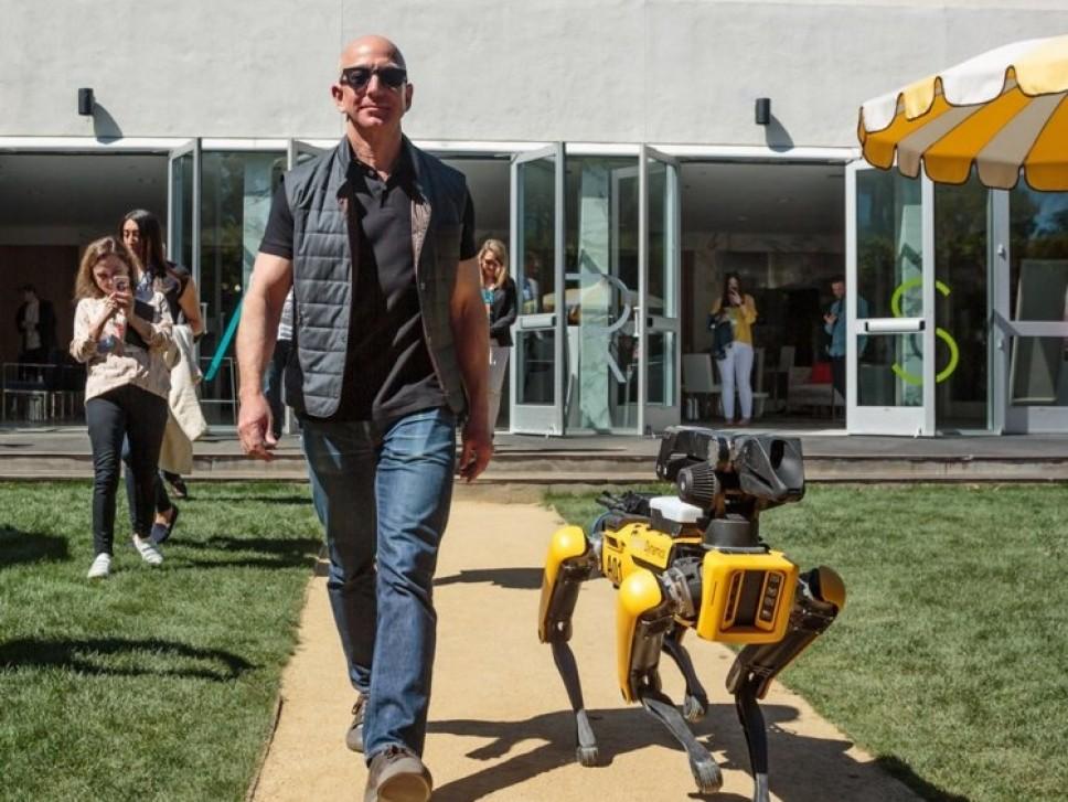 Jeff Bezos SpotMini Boston Dynamics Amazon Джефф Безос собака-робот