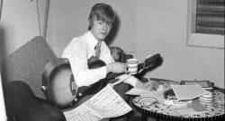 Дэвид Боуи музыка звезда The Konrads