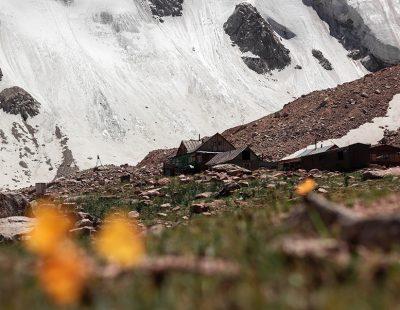 ледник гляциологическая станция горы Туюксу