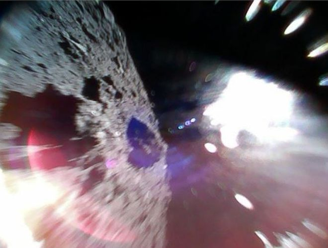 Хаябуса-2 минироботы астероид Рюгу Япония роверы снимки поверхности астероида космос MINERVA-II1A MINERVA-II1B