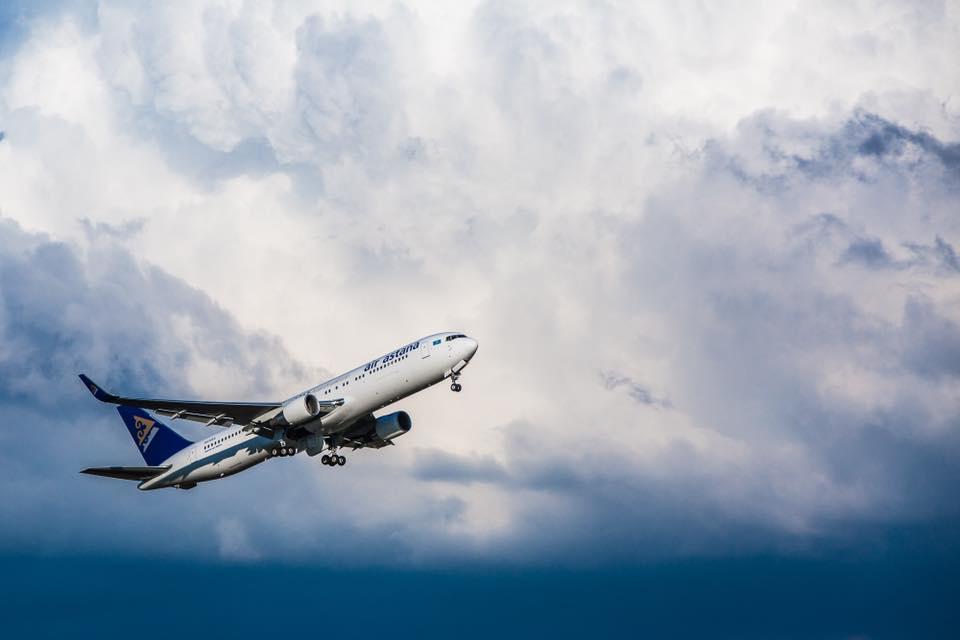 скандалы в самолетах Казахстан эйр астана