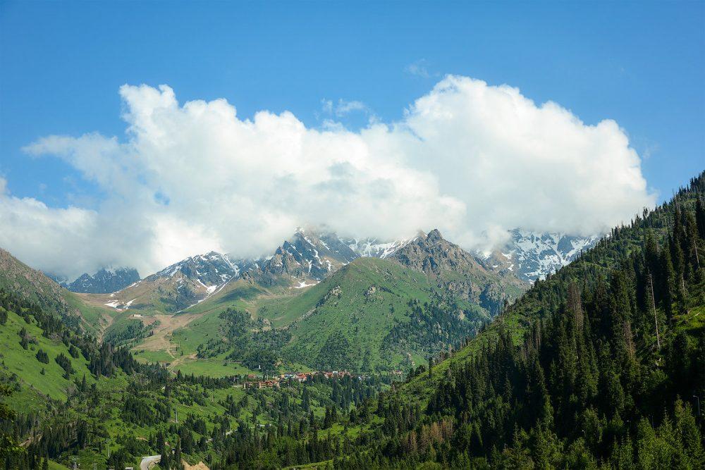 алматинские горы, туризм в Казахстане, иностранные туристы