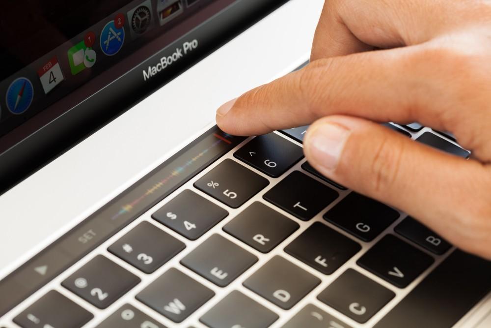 Apple брак в iPhone X MacBook Pro