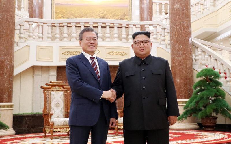 Северная и Южная Корея Северная Корея Южная Корея лидеры перемирие полуостров