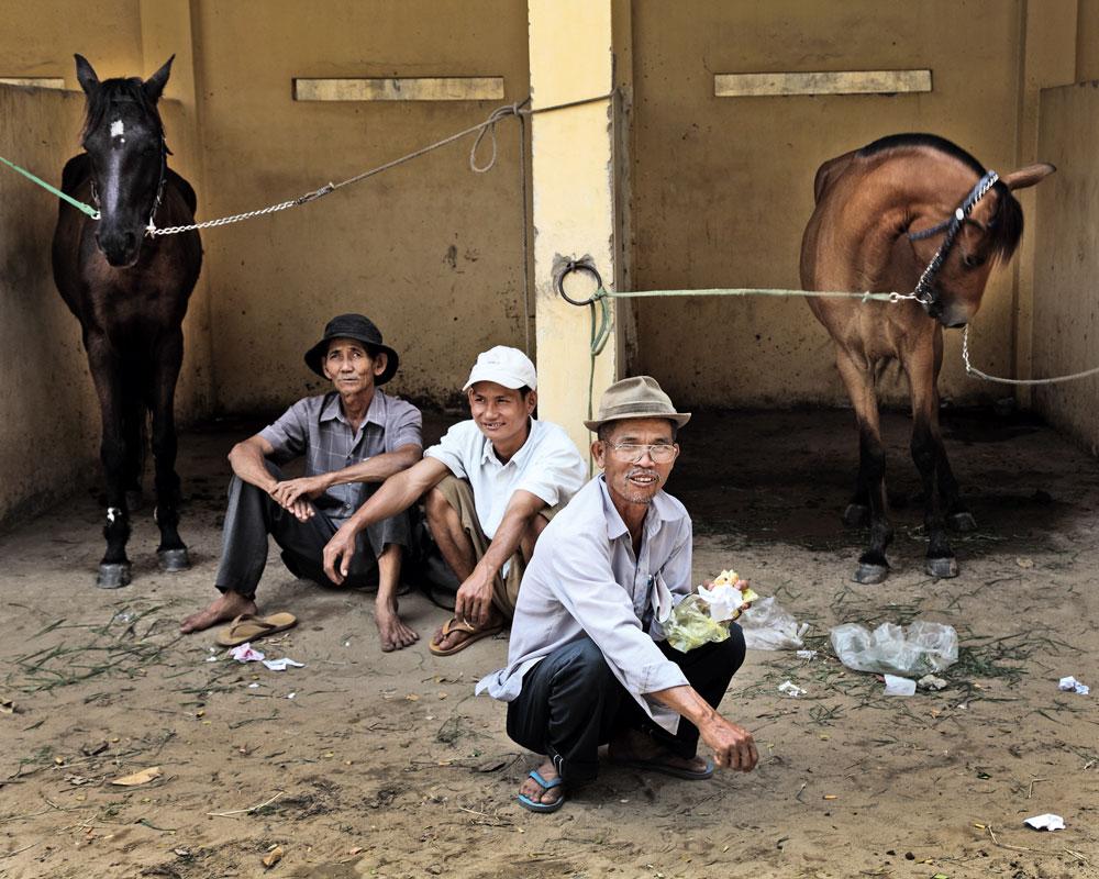 Хошимин Вьетнам фотопроект конные лошадиные скачки