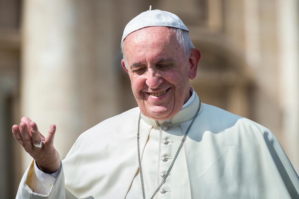 Кликни и молись: Папа Римский запустил сайт и мобильное приложение