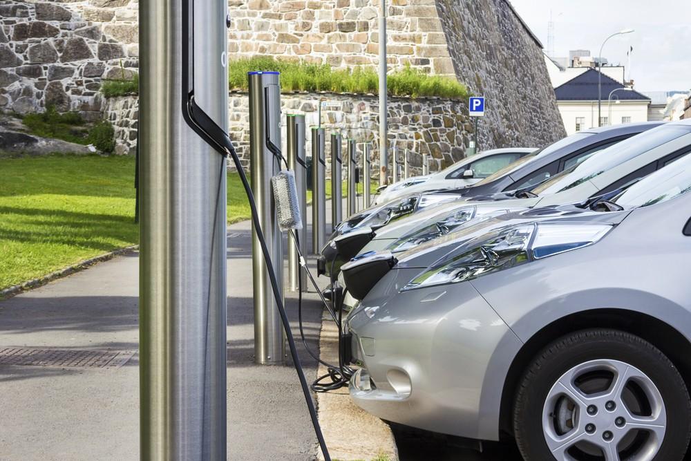 Норвежцы массово скупают электромобили