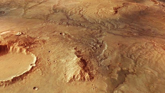 Пересохшие русла древних рек обнаружили на Марсе