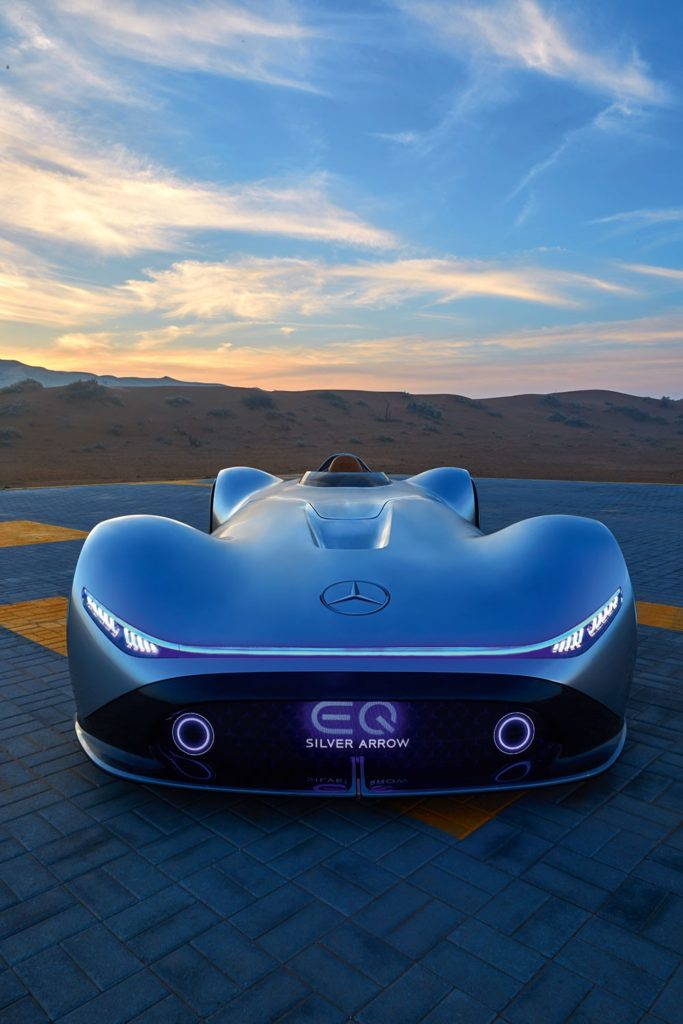 Автомобиль месяца. Mercedes-Benz Vision EQ Silver Arrow