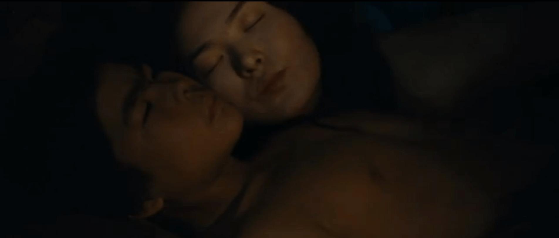 Семейный Очаг – Эротические Сцены