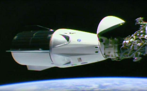 Crew Dragon SpaceX NASA МКС космос стыковка космический корабль