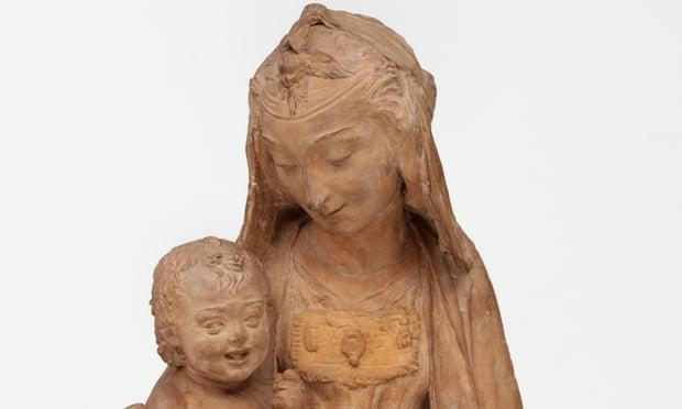 «Единственную сохранившуюся скульптуру» Леонардо да Винчи представили в Италии