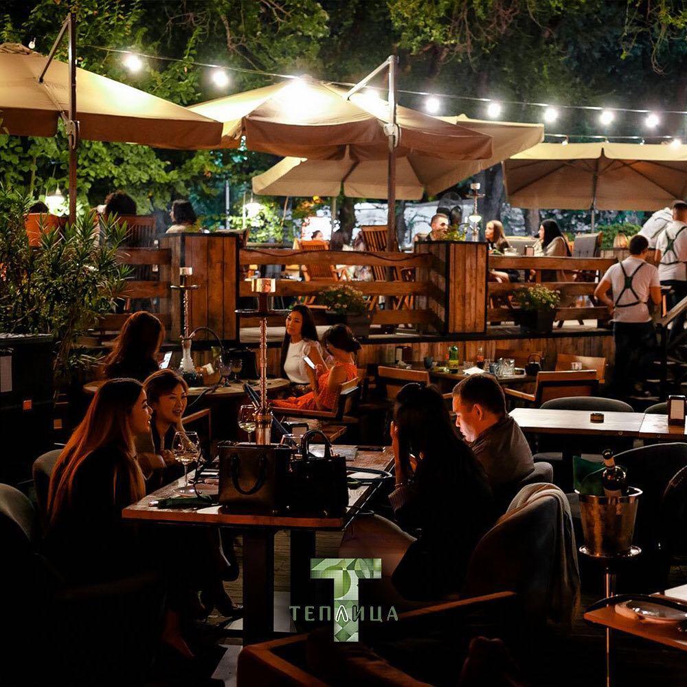 Алматы Теплица летняя терраса летник еда город кафе ресторан