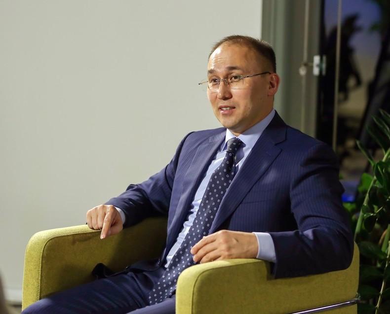 Даурен Абаев комментарии задержание активистов Алматы марафон 15 суток министр РК Казахстан чиновник