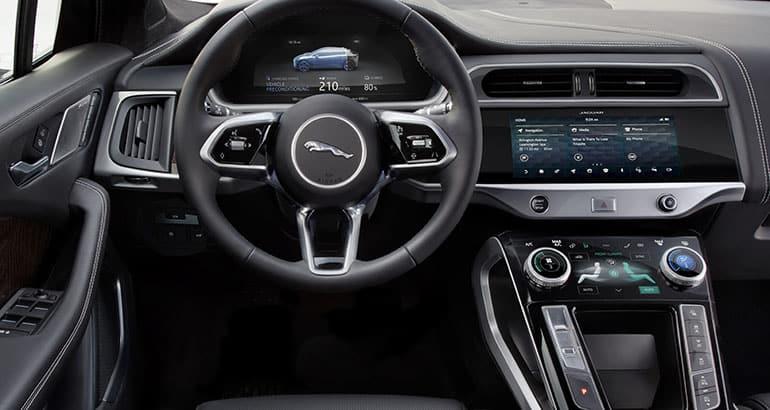 Jaguar I-Pace электромобиль автомобиль машина электрокар награда победа нью-йоркский автосалон 2019