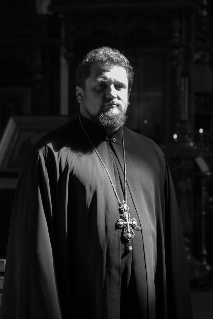 отец Игорь православный священник правила жизни религия христианство вера Казахстан