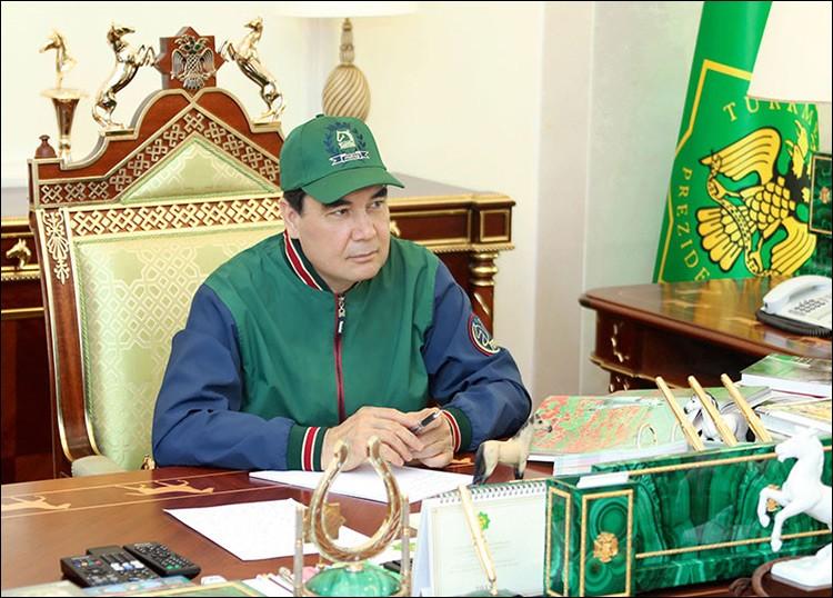 Президент Туркменистана зачитал рэп о любимом коне