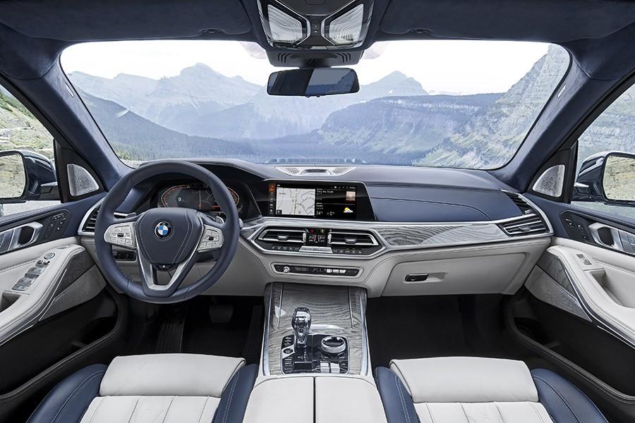 BMW X7 показали в Алматы