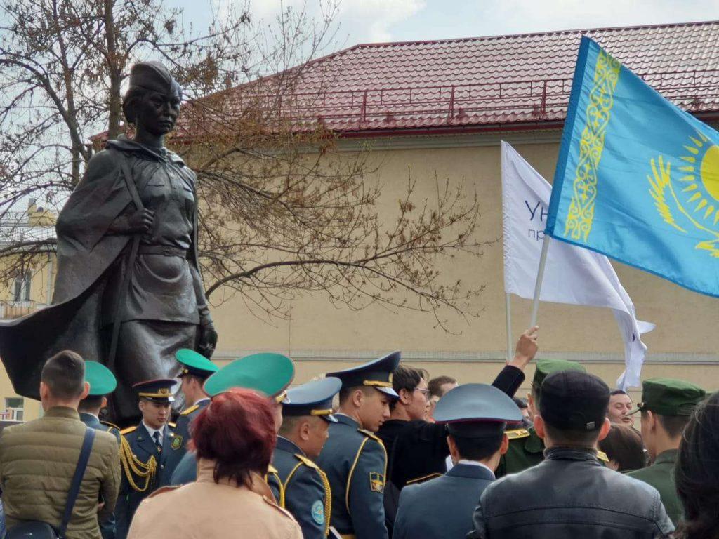 Алия Молдагулова памятник Санкт-Петербург Вторая мировая героиня война история память