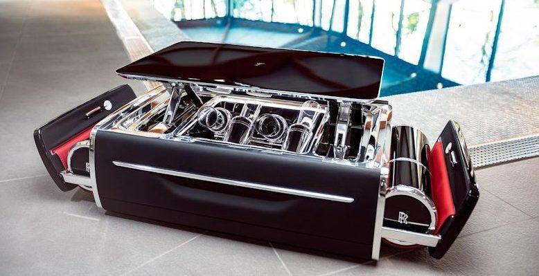 Rolls-Royce выпустил премиальный сундук для шампанского