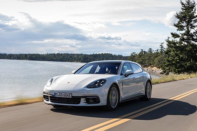 автомобиль машины путешествия дороги Porsche Panamera 4 E-Hybrid Sport Turismo