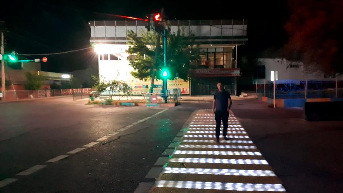 «Умный» пешеходный переход появился в Казахстане