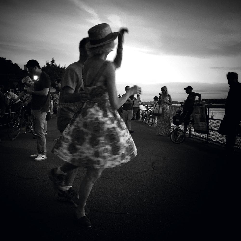 Микаэла Сарфатти история одного фото Италия музыка танец