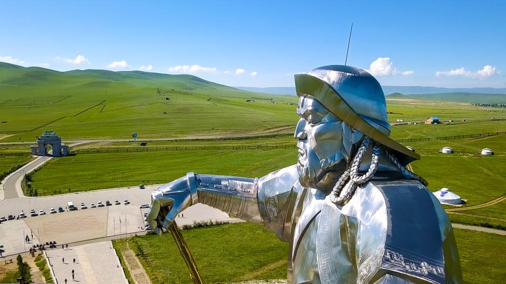 Чингисхан Эмир Кустурица Чингиз Айтматов кино книга роман история