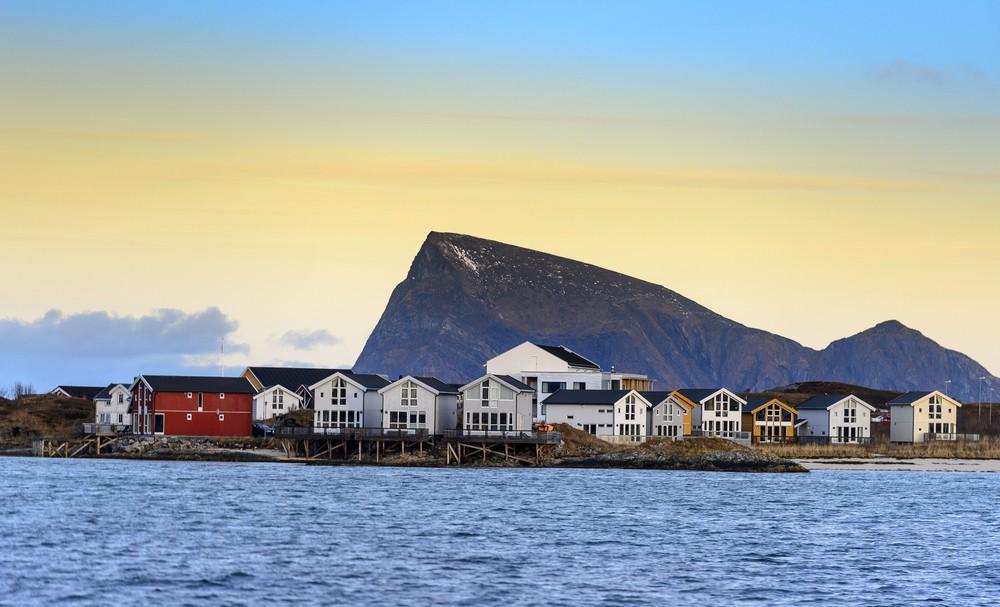 Соммарёй Норвегия остров зона вне времени полярный день