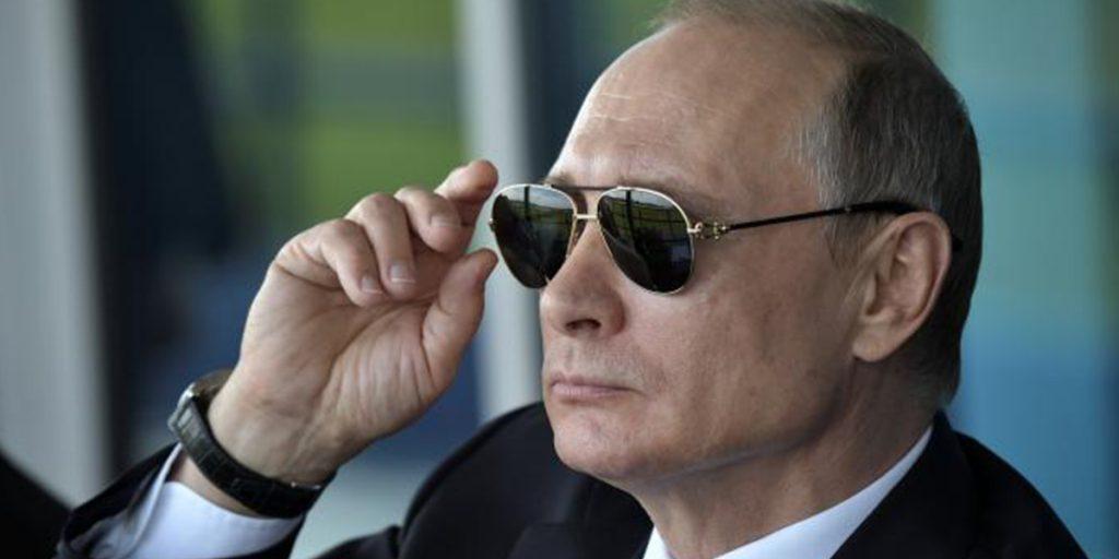 Путин шпион