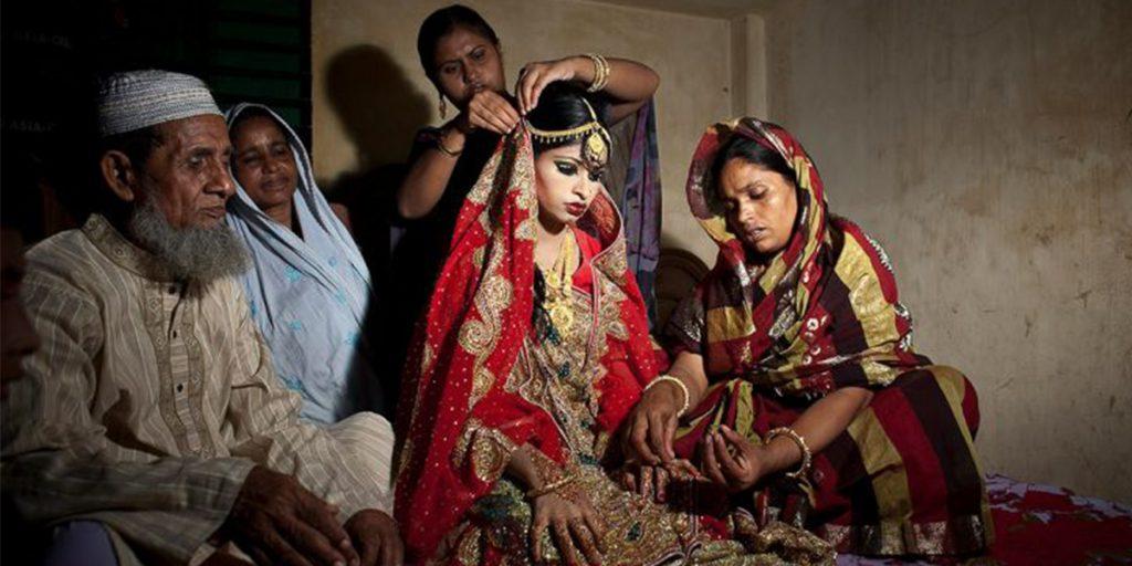 """В Бангладеш исчезнет графа """"девственница"""" из свидетельств о браке"""