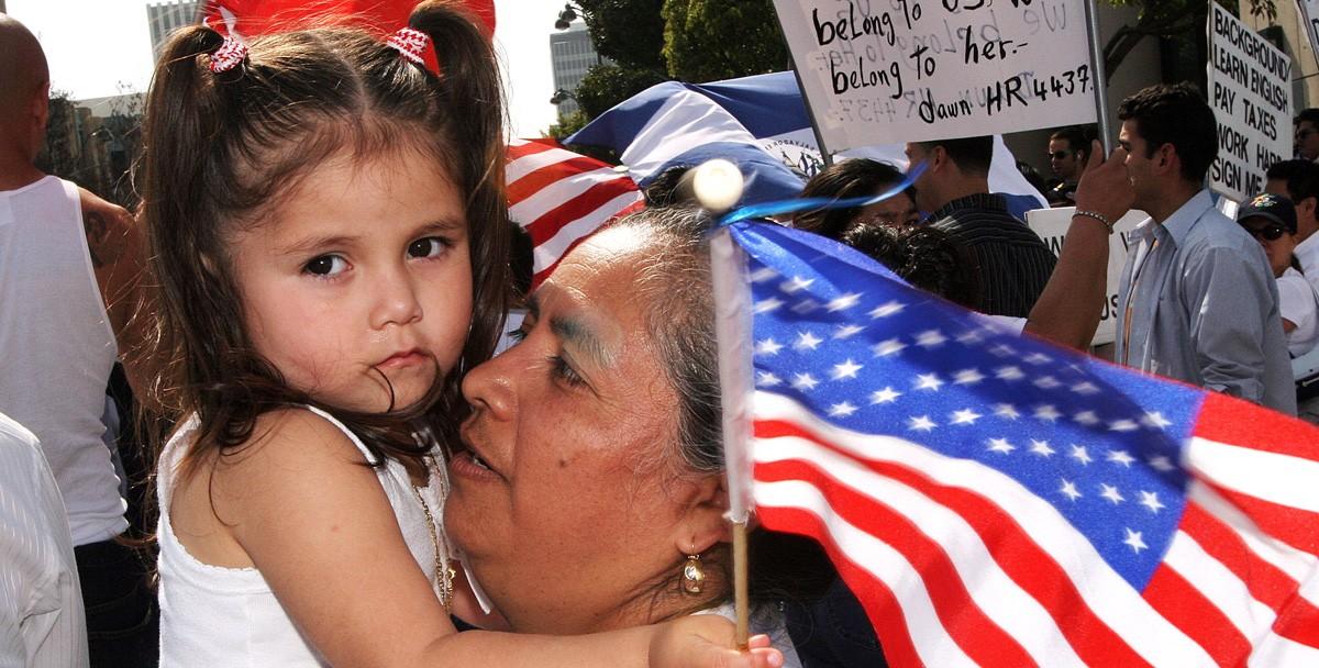 В США мигрантов с детьми будут задерживать так же долго, как и остальных