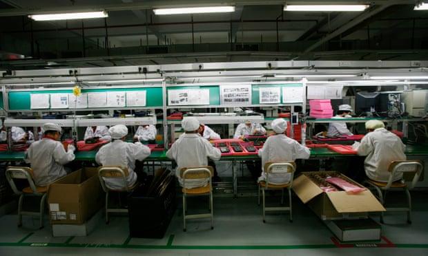 Умные колонки Amazon собирают китайские школьники по ночам исверхурочно