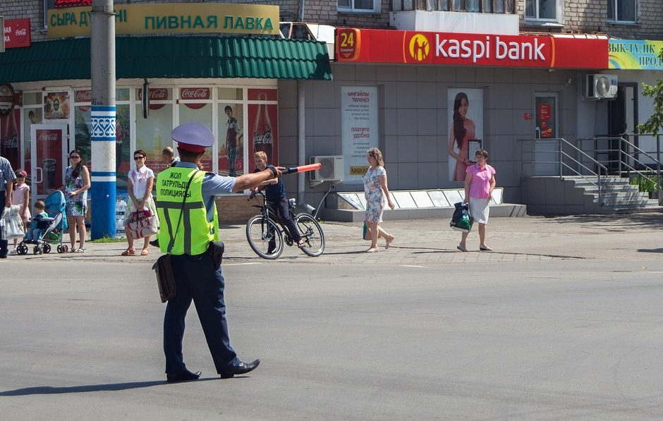Вернуть жезлы полицейским хотят чиновники РК