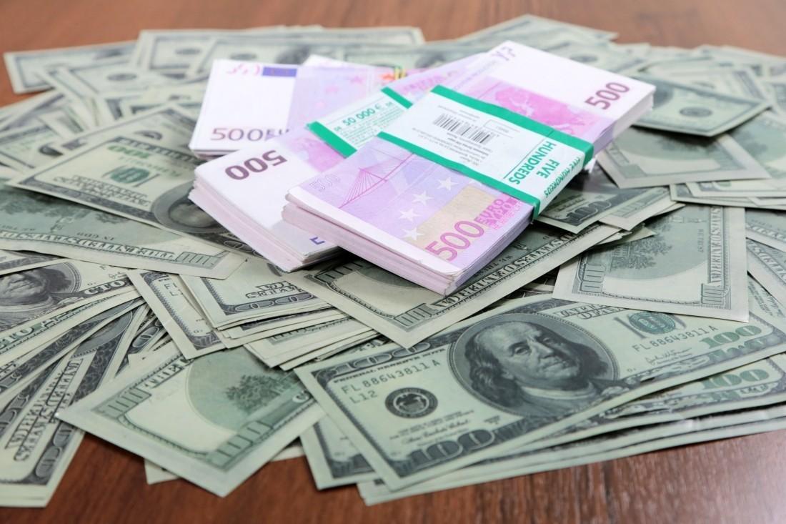Почти 800 миллионов долларов иностранцы задолжали банкам Казахстана