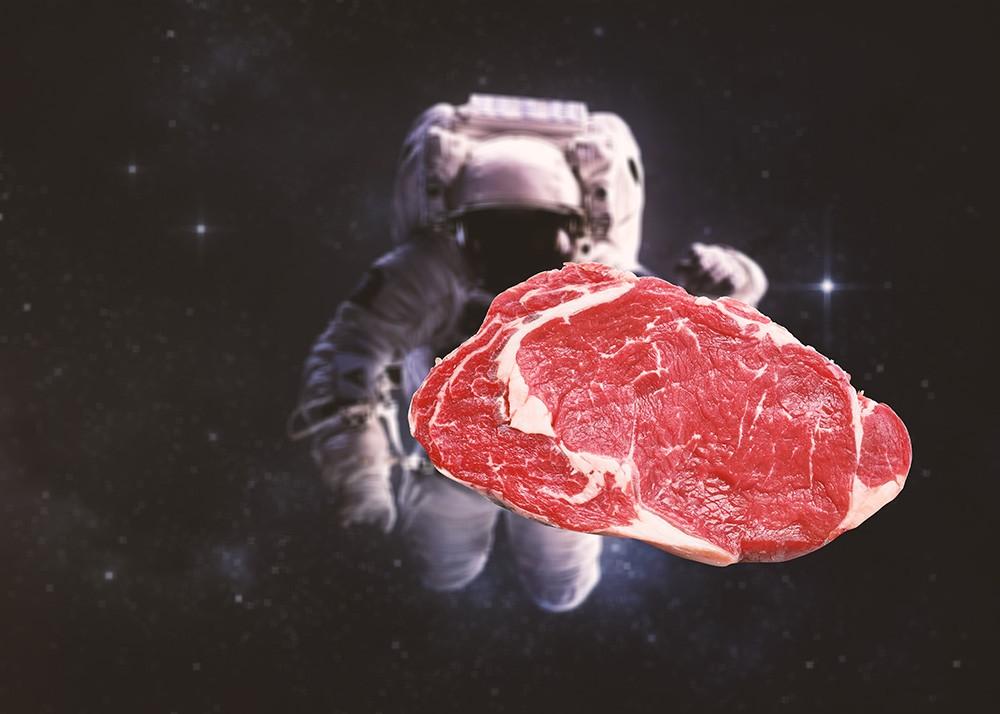 Искусственная говядина из космоса: на МКС напечатали мясо на 3D-принтере