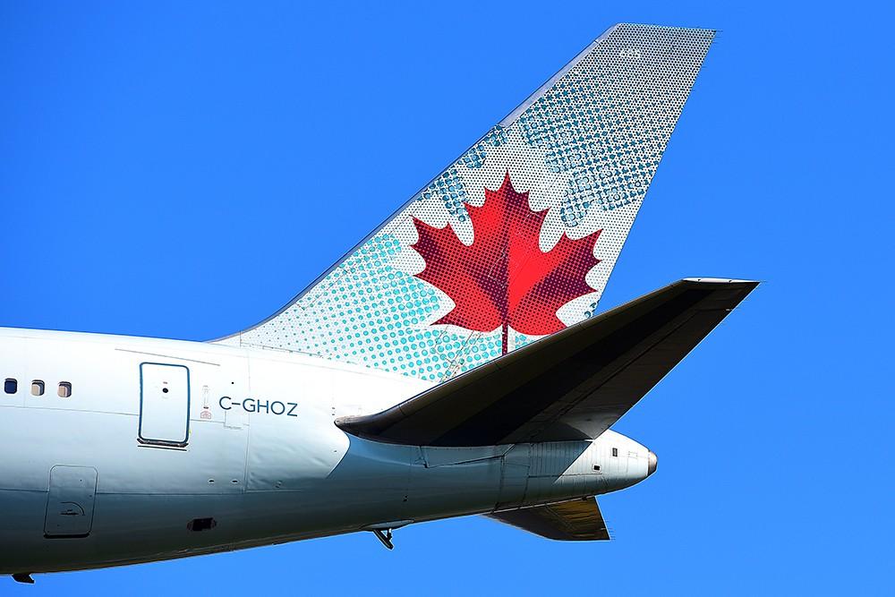 Уважаемые все! Air Canada больше не будет называть пассажиров «Леди и джентльмены»