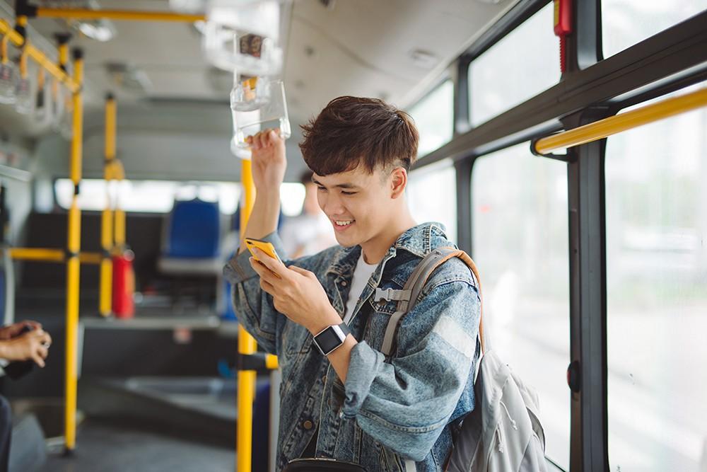 Будущее уже здесь? В Нур-Султане тестируют оплату проезда в автобусах по фото