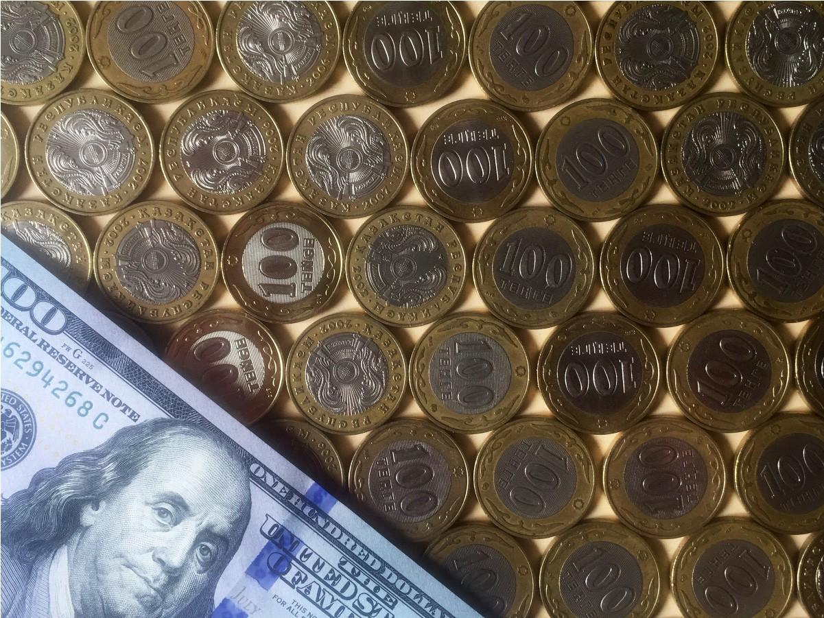 В Атырау зарплата иностранца в 11 раз превысила доход казахстанца