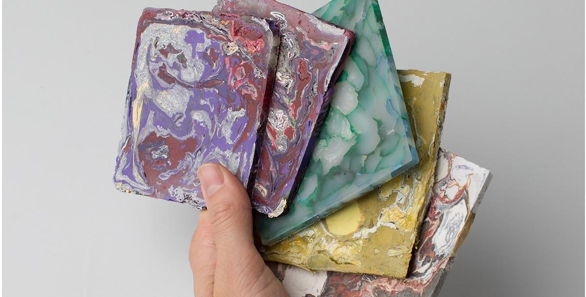 Дизайнер из Казахстана разработала плитку из переработанного пластика