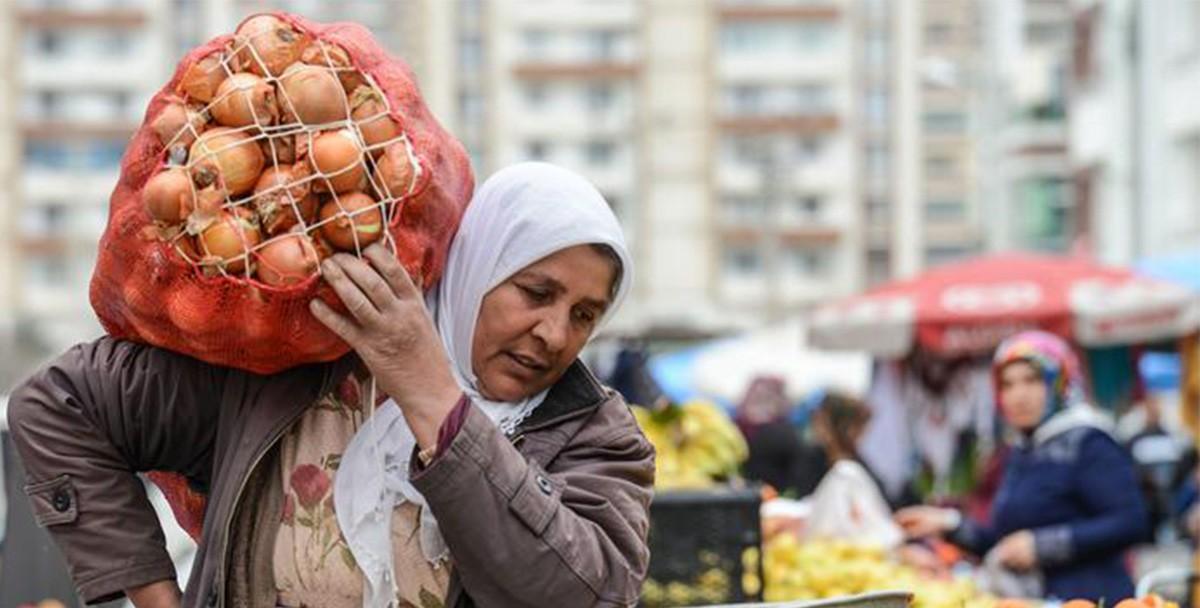 В Стамбуле появился «Робин Гуд». Он помогает беднякам, оплачивая их долги