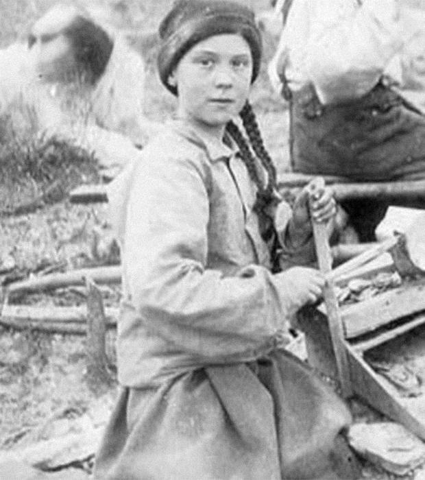 Грету Тунберг нашли на фотографии, которой 120 лет