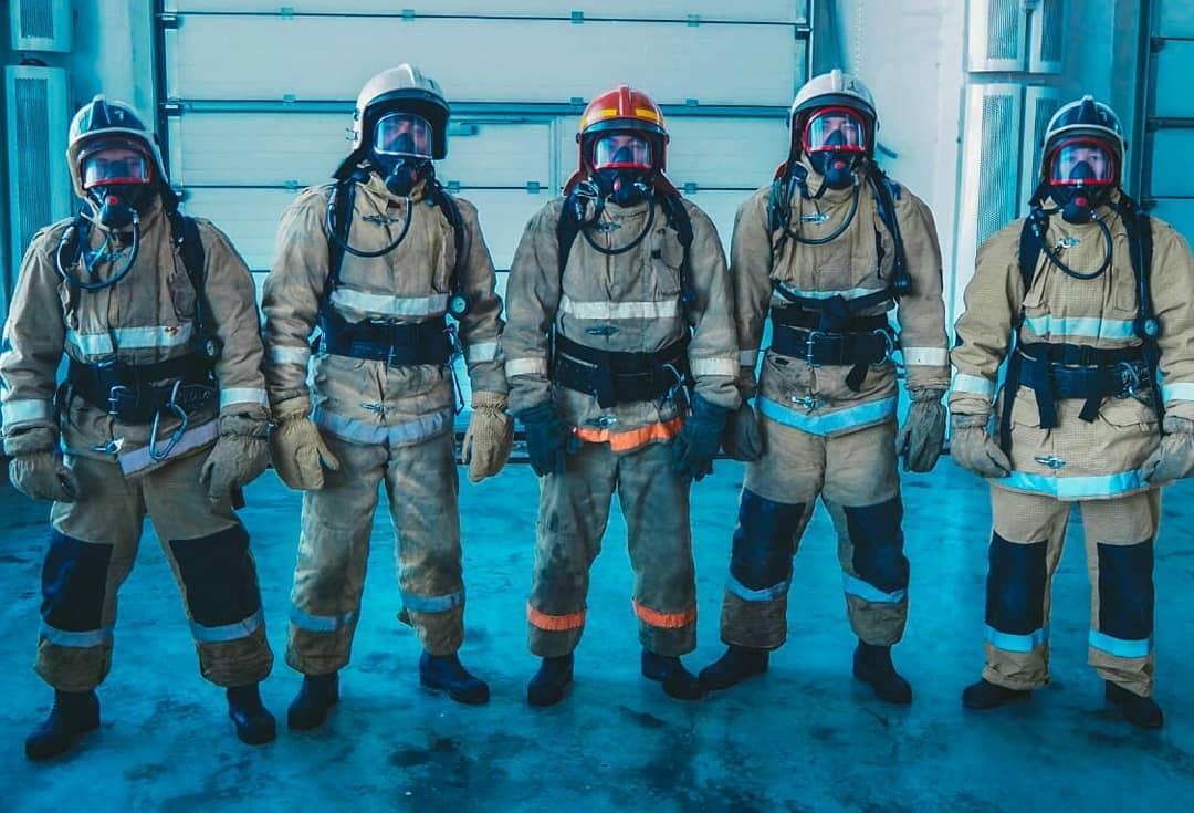 Пожарные жгут: чем заняты спасатели, когда не тушат огонь