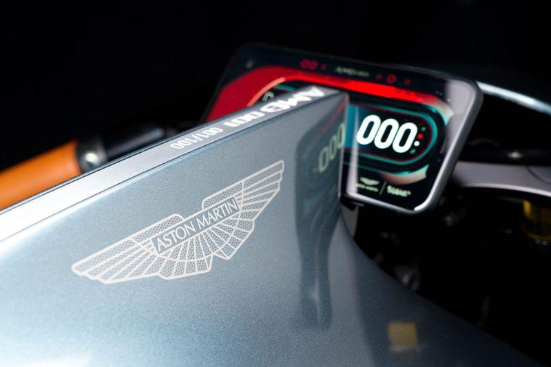 Aston Martin Brough 001