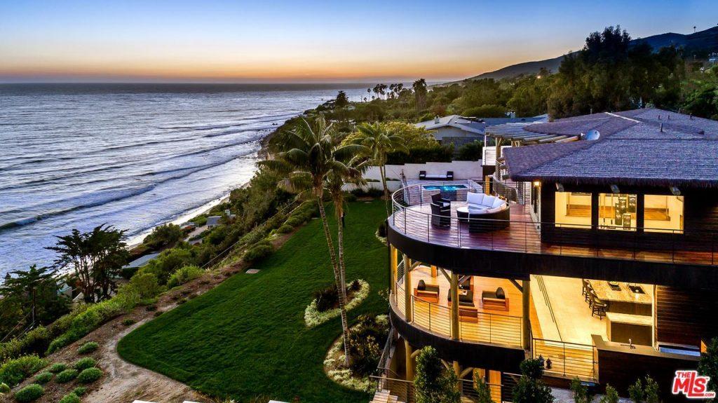 особняк на берегу океана в аренду